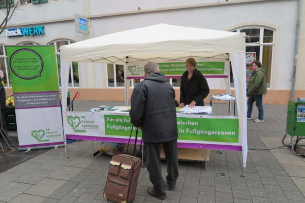Kampagnenstand in Offenbach